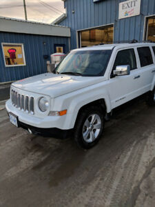 2012 Jeep Limited w/Navigation