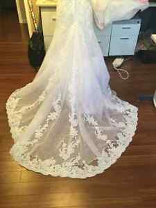 White lace and tulle wedding gown Cambridge Kitchener Area image 2