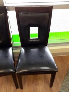 *** USED *** MAZIN FURNITURE 2528S CHAIR   S/N:51204237   #STORE516