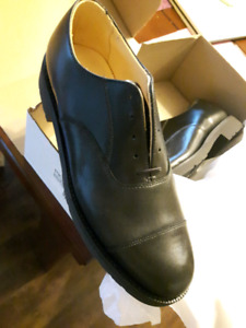 Oxford Dress Shoes size 9 brand new