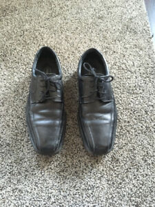 MEN'S (BOY'S) LEATHER DRESS SHOES - SIZE 8 -USED 3 TIMES-NEW!