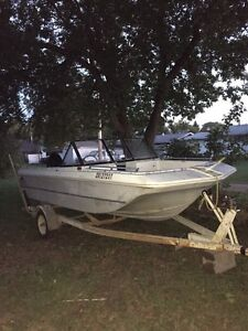 16 ft Tri hull boat (Great Project or Duck Hunting Blind)