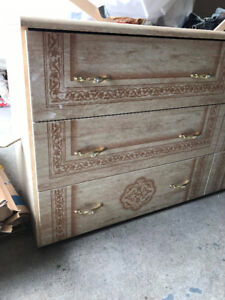 BEDROOM DRESSER FOR SALE - CHEST WITH DRAWERS AND LARGE MIRROR