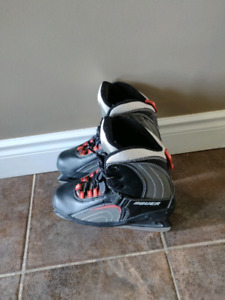 Ice skating shoes woman size 6