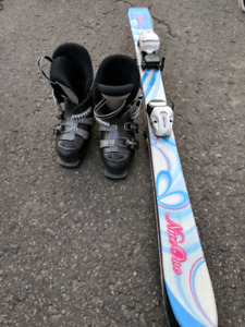Kids skis and boots, age 4-6