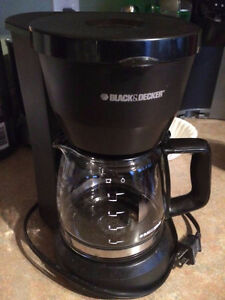 Black & Decker coffee maker (with filters!!)