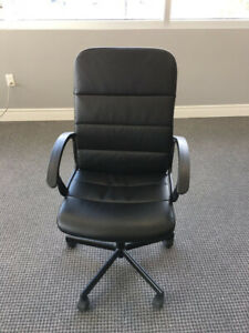 Used IKEA Swivel Chairs Black with Very Good Condition!