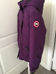 EUC Authentic Canada Goose Jacket (Youth-Teenager) Size 14-16 L