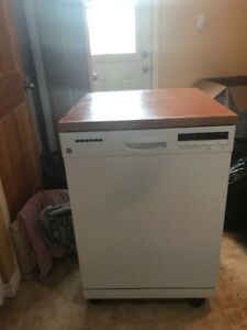 GE portable stainless dishwasher 2 months old $550 or trades?