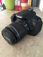 Canon T4i *MINT* with touch screen