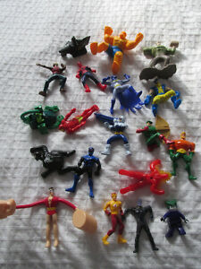 SUPER HEROS LOT DE 19 figurines JOUETS BATMAN MARVEL DC COMICS