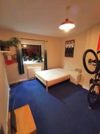 2 BEDROOM FURNISHED Flat- West Pilton Grove