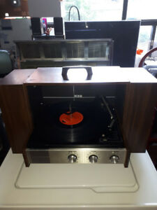 ELECTROHOME PORTABLE RECORD PLAYER WITH SPEAKERS STEREO REBUILT
