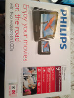 """Philips 9"""" Dual-Screen DVD Player"""