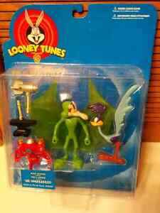 (3)Unopened/New Condition LOONEY TUNES Action Figures.