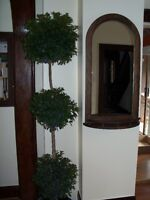 ****SOLID WOOD MIRROR- EXCELLENT CONDITION****