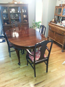Beautiful Wood Dining Set - Priced to Sell!