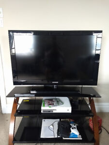 Xbox One + TV + TV Stand - All great condition