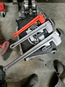 Snap On pipe wrenchs