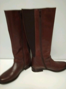 Ladies tall brown leather boots