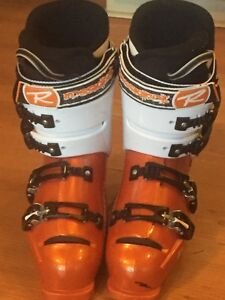 Rossignol pro 70 ski boots(woman's size 8)