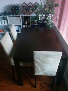 Dining table extendable with 3 chairs