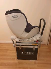 Britax Dualfix 0-4yrs 360 degrees rotation in Cosmos Black car seat