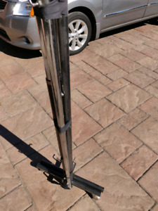 EXCELLENT CONDITION LARGE METAL CLOTHING RACK