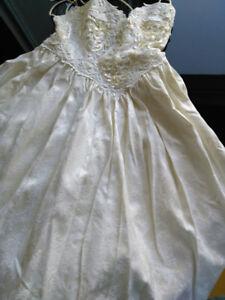 d8c6c2fda464 The Wedding Gown | Kijiji in Ottawa. - Buy, Sell & Save with ...