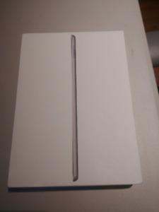 Apple iPad 32GO Wi-Fi Space Grey (comme neuf)