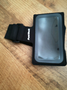 BRAND NEW ARM BAND FOR PHONES RUNNING GYM HIKING