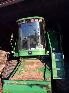 9500 4x4 John Deere combine for sale.