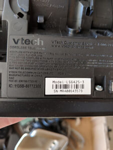 Vtech Cordless Phone with answering machine and 3 handsets