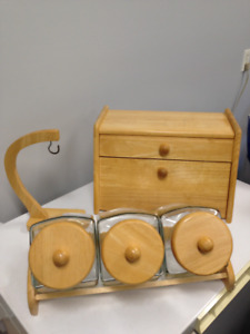 BREAD BOX, BANANA HOLDER AND GLASS CANNISTER SET