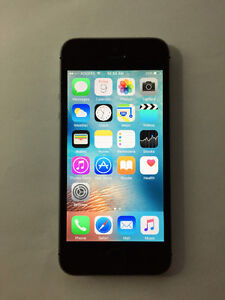ROGERS Space Grey 16GB iPhone 5S (A- Condition)