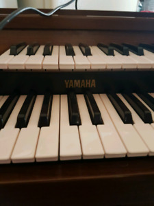 Yamaha Electric Piano Organ with bench