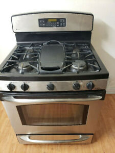 G E. PROFILE STAINLESS STEEL GAS STOVE OVEN RANGE FOR SALE