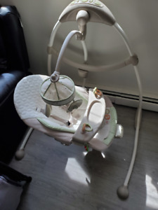 baby swing two way seating/with music and toy bar