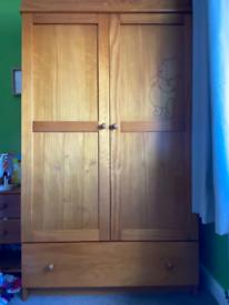 Children's winnie the pooh wardrobe set