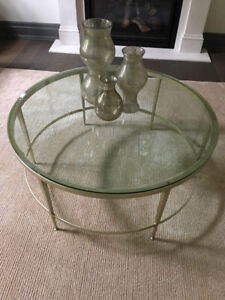 Coffee/cocktail table