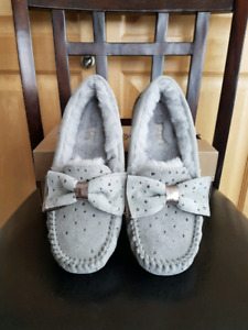 Brand new in box Uggs slip on with bow size 7 in grey