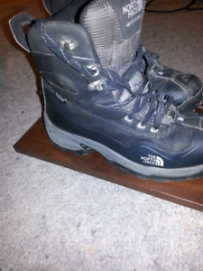 Mens North Face winter boots