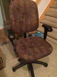 3 office chairs 15$ EACH