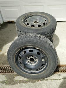 4 pneus d'hiver & jantes VW - 195/65R15 - 4 snow tires w rims VW