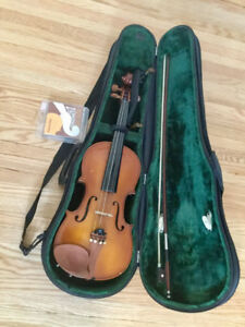 4/4 Good Violin  with wire package