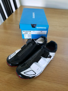 Shimano R321 road shoes size 41.5
