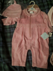 2 Baby sleepers with hats, 6m, brand new