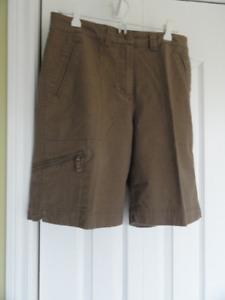 Short ( Bermuda ) femmes Woolrich  10 ans