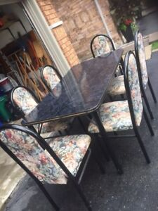 6 chair kitchen table in great condituon