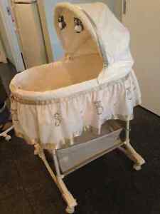PERFECT CONDITION BASSINET! Cambridge Kitchener Area image 2